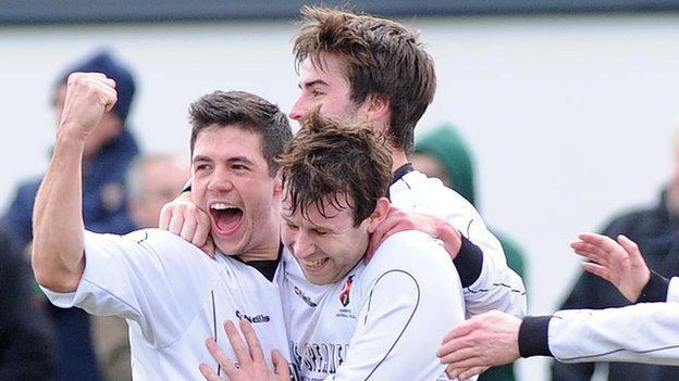 Queen's beat Bangor 3-2 in Saturday's Irish Cup quarter-final