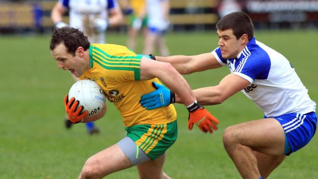 Michael Murphy escapes the clutches of Drew Wylie as Donegal overcome Monaghan