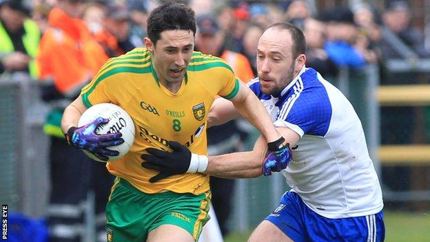 Rory Kavanagh is challenged by Gavin Doogan in Letterkenny