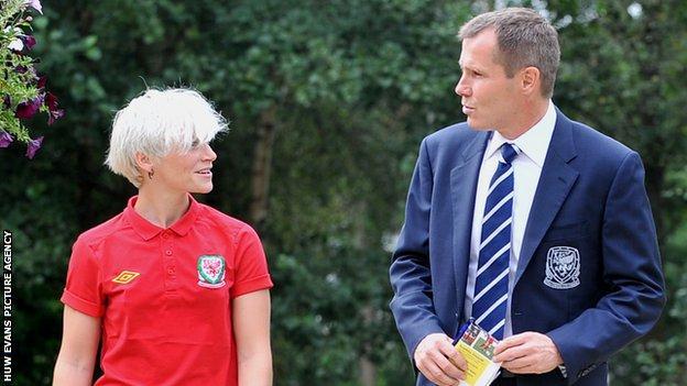 Jess Fishlock and Wales Women's manager Jarmo Matikainen