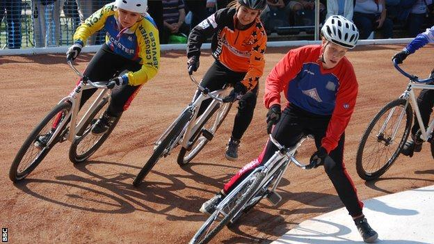 Cycle speedway