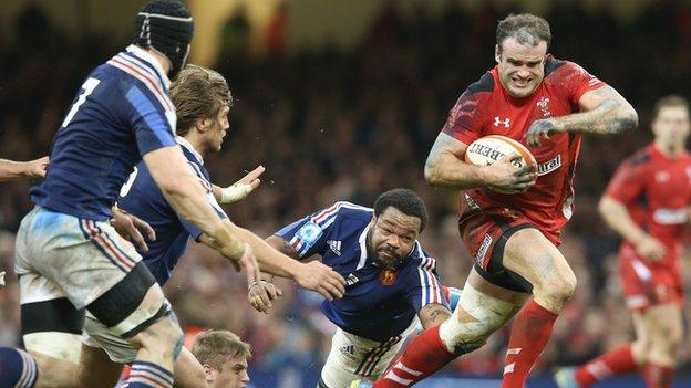 Jamie Roberts on the rampage against France
