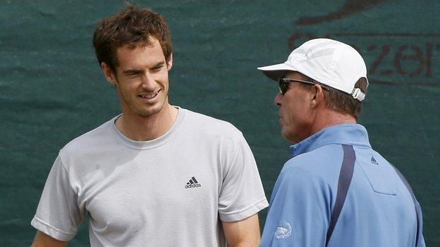 Andy Murray and Ivan Lendl chat during a training session