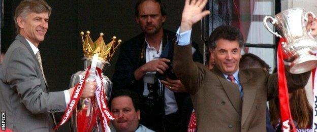Arsene Wenger and David Dein, 2002