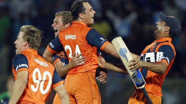 Netherlands players celebrate their victory over Ireland