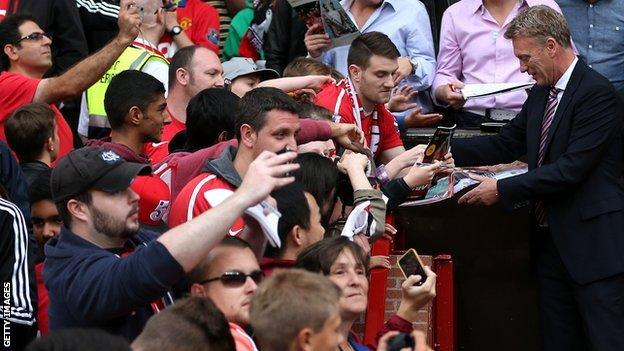 David Moyes with Manchester United fans