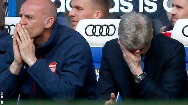 Arsene Wenger and his assistant Steve Bould during Arsenal's 6-0 defeat at Chelsea
