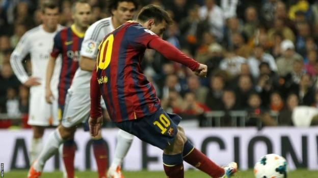 Lionel Messi scores penalty