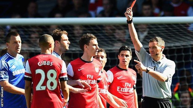 Andre Marriner sent off the wrong player in Chelsea's 6-0 win over Arsenal on Saturday.