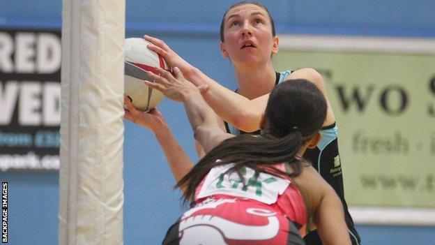 Rachel Dunn scores against Celtic Dragons