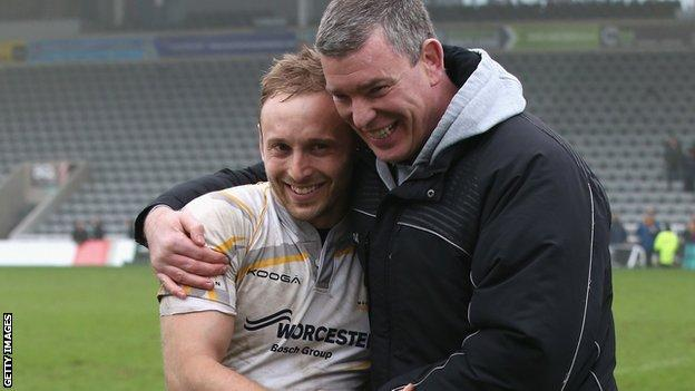 Worcester boss Dean Ryan with Chris Pennell