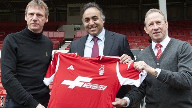 (left to right) Stuart Pearce, Fawaz Al Hasawi, John McGovern