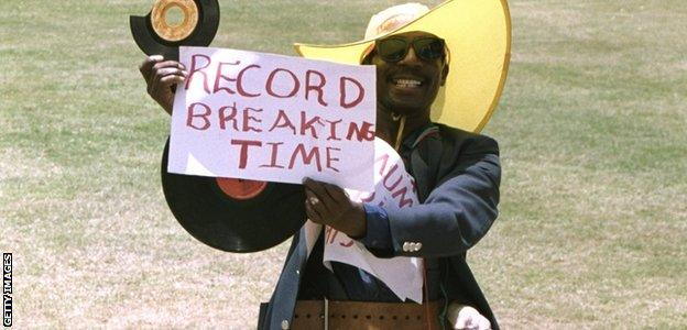 Expectation was growing amongst the home fans as Brian Lara got closer to the record