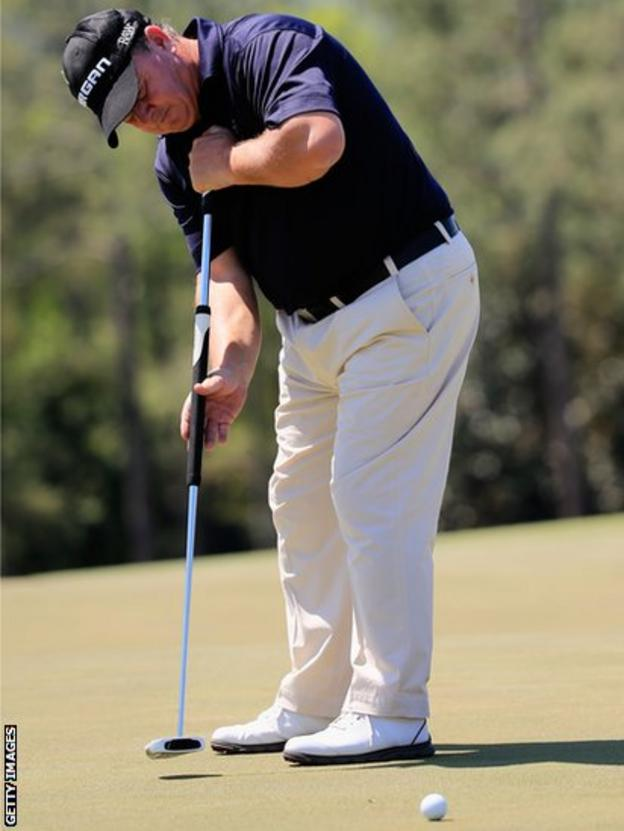 Ian Woosnam hits a putt during the first round of the 2014 Masters Tournament at Augusta