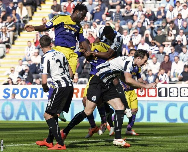 Wilfried Bony equalises with this header