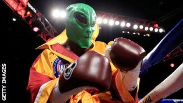 Bernard Hopkins entered the ring wearing an alien mask