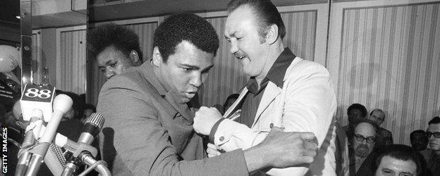 Muhammad Ali and Chuck Wepner
