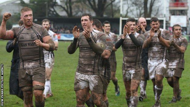 Pontypridd players celebrate victory over Cornish Pirates