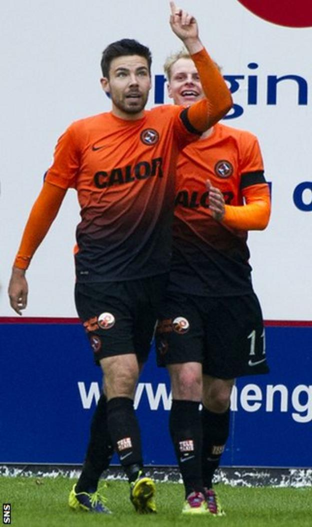 Ryan Dow celebrates with Gary Mackay-Steven