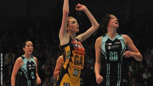 Helen Housby in action for Manchester Thunder