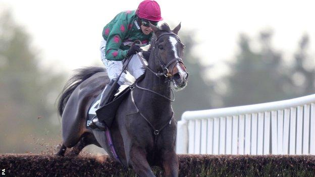 Somersby ridden by Dominic Elsworth