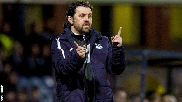 Dundee boss Paul Hartley