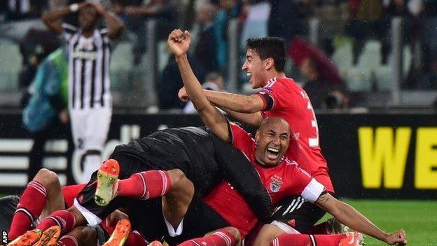 Benfica celebrate beating Juvetus