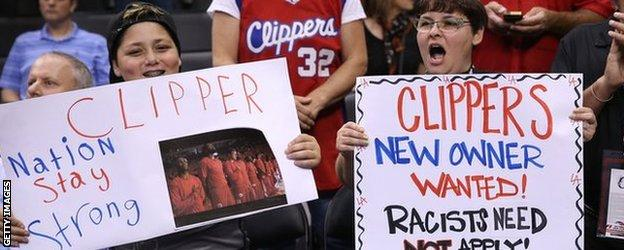 LA Clippers fans urge Sterling to sell