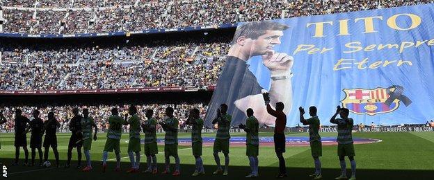 Nou Camp tributes to Tito Vilanova