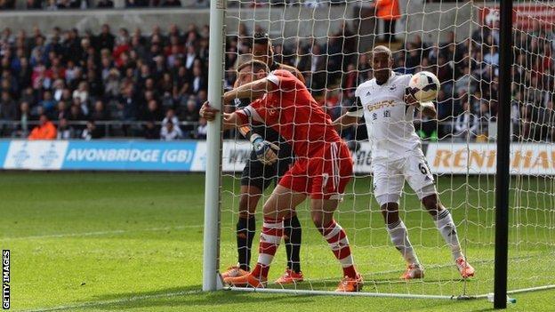 Rickie Lambert scores for Southampton