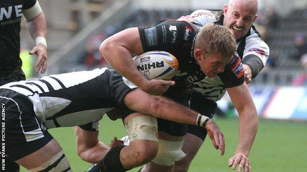 Lloyd Peers in action for the Ospreys