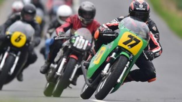 Ryan Farquhar makes it 200 Irish roads wins in the classic event