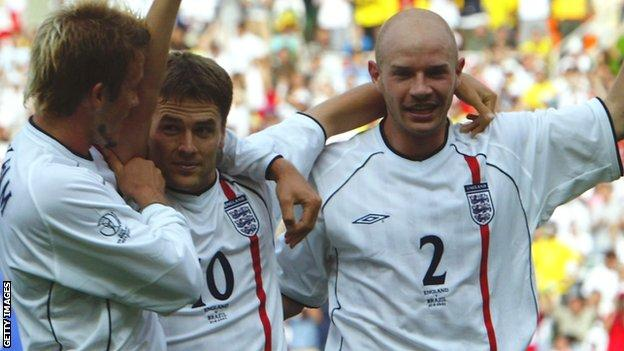 David Beckham, Michael Owen and Danny Mills playing for England