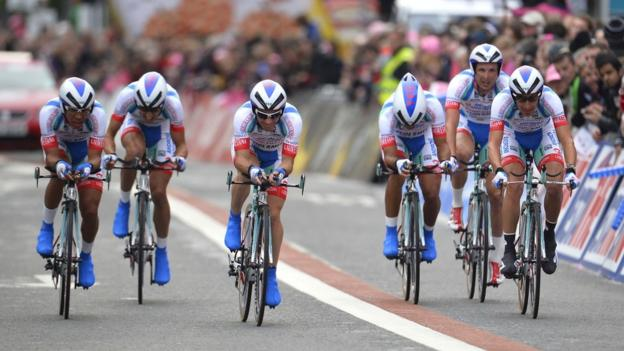 The Androni Giocattoli-Venezuela team heads towards the end of the time trial on the first day of the 2014 Giro d'Italia