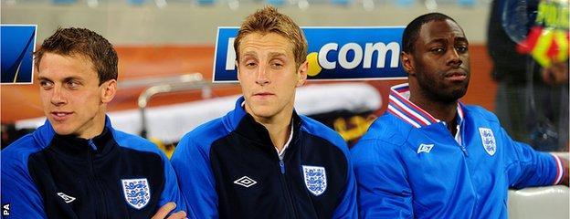 England's Ledley King (right) Michael Dawson (centre) and Stephen Warnock