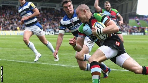 Mike Brown scores for Harlequins
