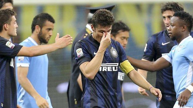Javier Zanetti in tears
