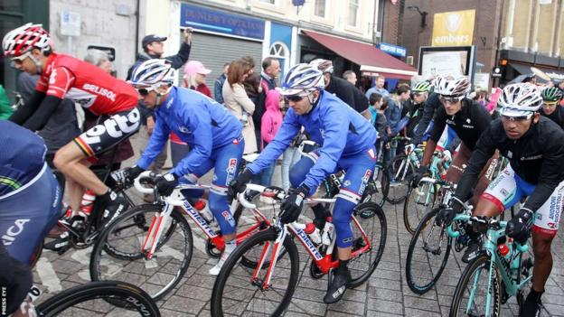The riders are about to start the final day of Giro d'Italia action on Irish soil as stage three is about to start in Armagh City