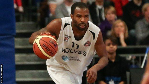 Worcester Wolves guard Zaire Taylor