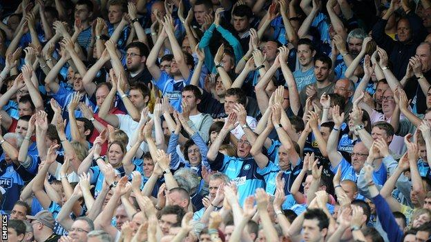 Wycombe Wanderers fans