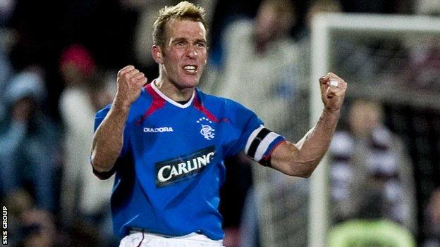 Fernando Ricksen played for Rangers between 2000 and 2006