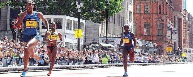Shana Cox wins women's 200m