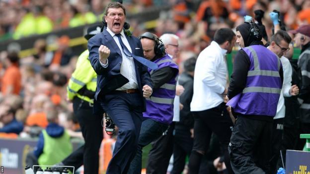 St Johnstone manager Tommy Wright celebrating