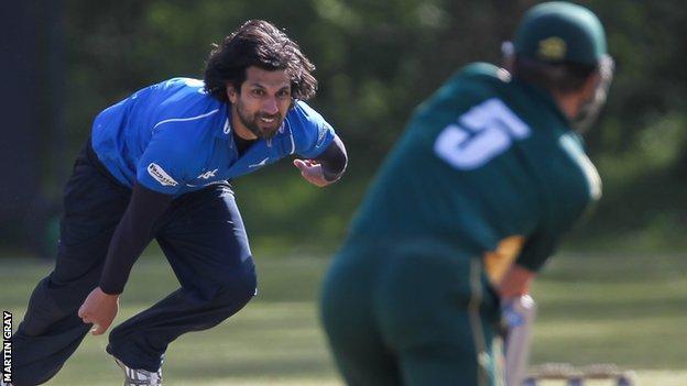 Amjad Khan tore through the Guernsey attack