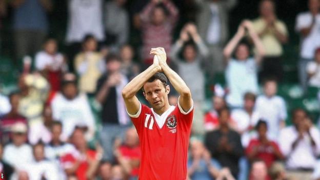 Wales captain Ryan Giggs retires