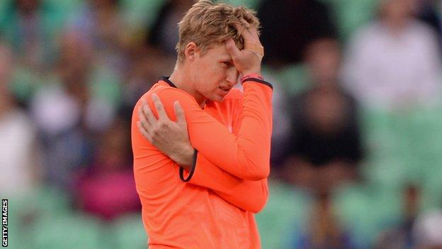 England's Joe Root v Sri Lanka