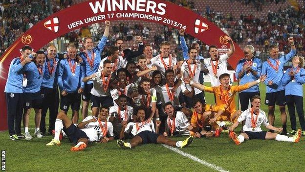 England celebrate their European U-17 Championship victory