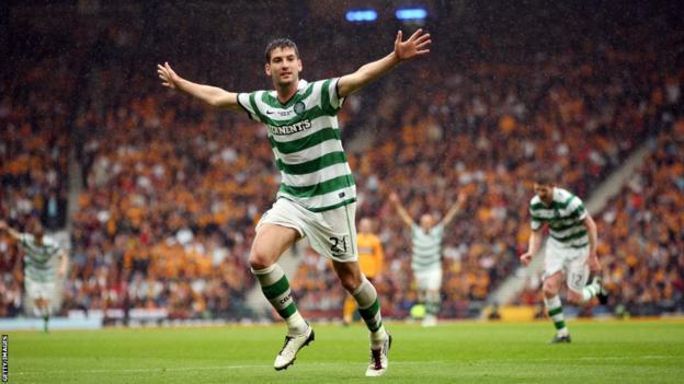 Charlie Mulgrew celebrates scoring in the 2011 Scottish Cup final