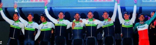 Orica GreenEdge team after winning stage one