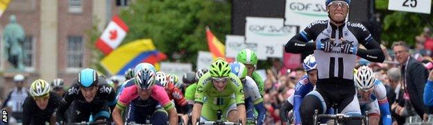 Marcel Kittel wins stage two